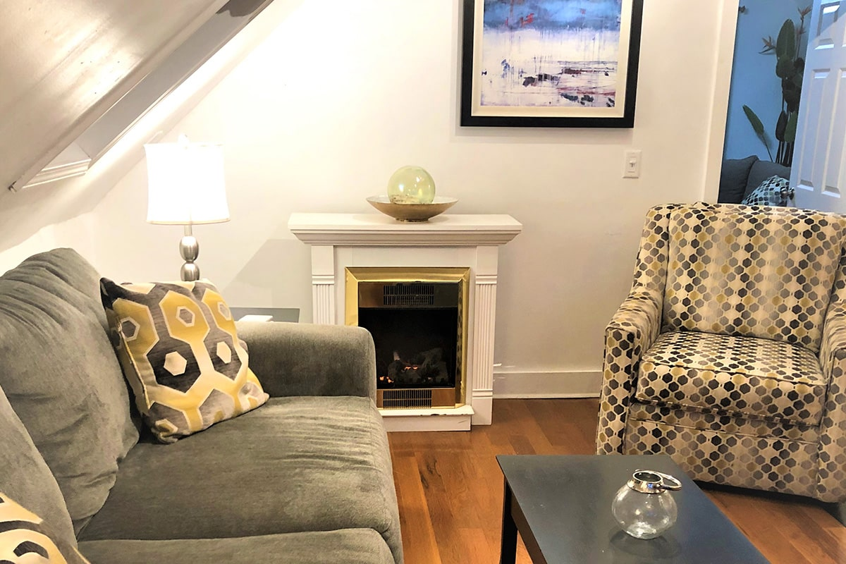 Clean, Comfy, Pet-Friendly, Two Bedroom Vacation Rental in Downtown Provincetown MA